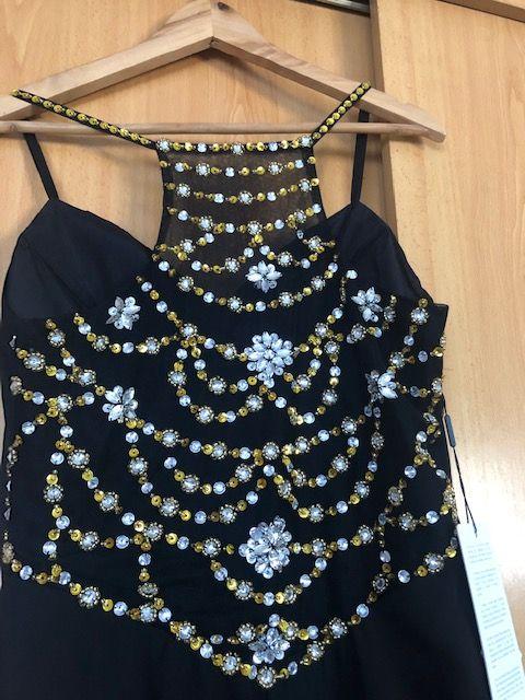 Vendo Vestido Gala Preto NOVO com Missangas Douradas e Prateadas