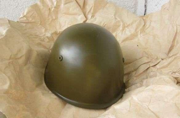 Продавам нови български армейски БНА бони каски м72 - 15 лева бр