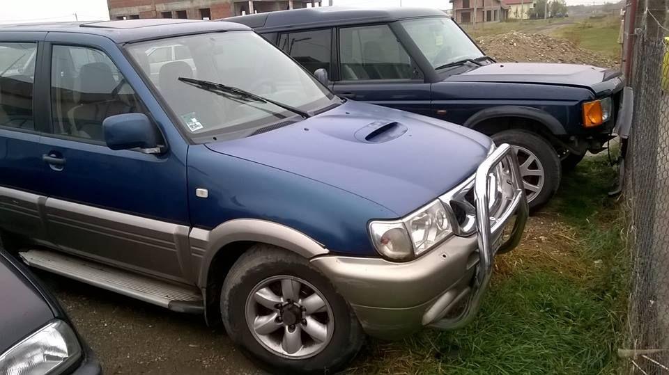 Dezmembrez Nissan Terrano 2