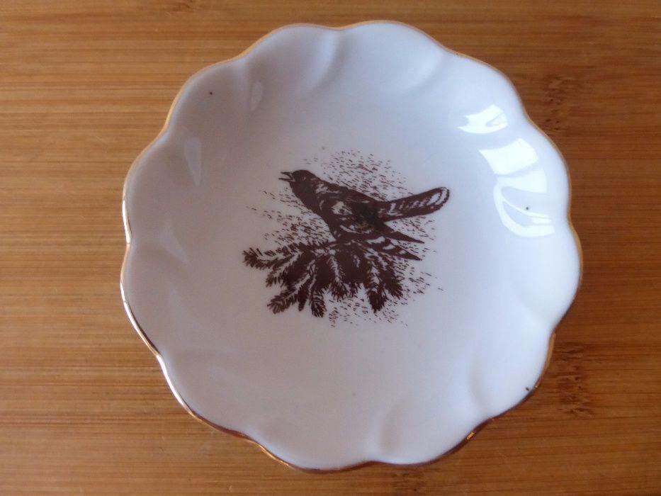 Руска порцеланова чинийка с птица чиния