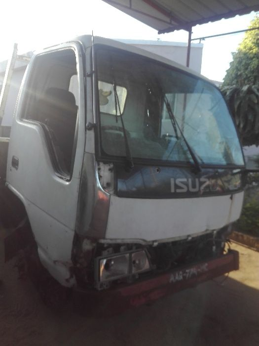 Vendo Isuzu elf 3ton ou motor 4BE1