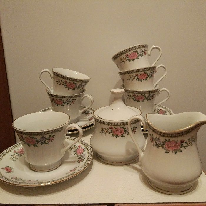 Продам набор посуды для чая/кофе