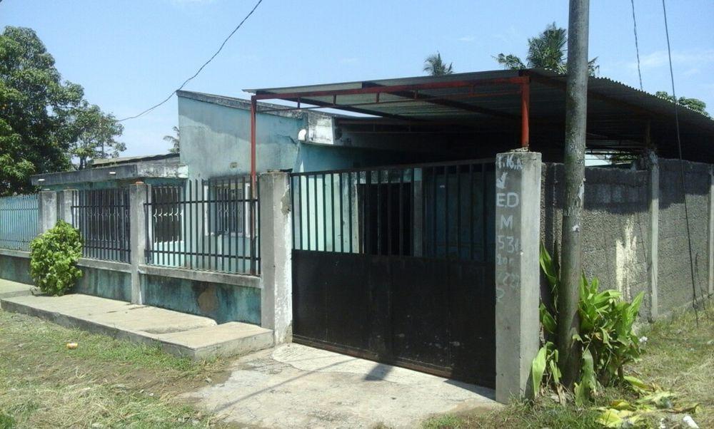 Arrenda se casa tipo 4 na Coca-Cola perto de paragem de chapa Bairro do Jardim - imagem 1