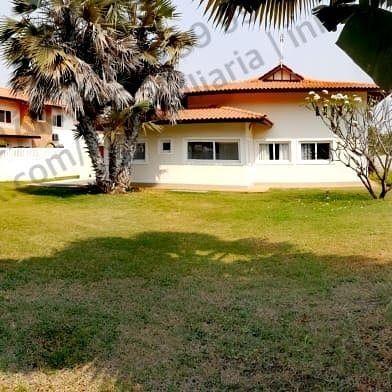 Vivenda T4 em arrendamento por 1.000.000 AOA, em Talatona condomínio A
