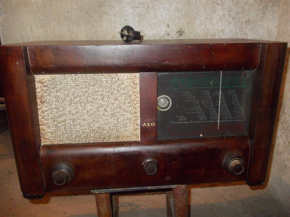 Ретро радио АЕG