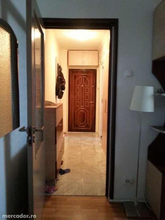 Apartament 2 camere, C.T, renovat, complet utilat, mobilat. La cheie