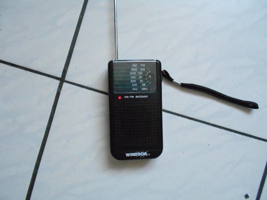 aparat radio portabil