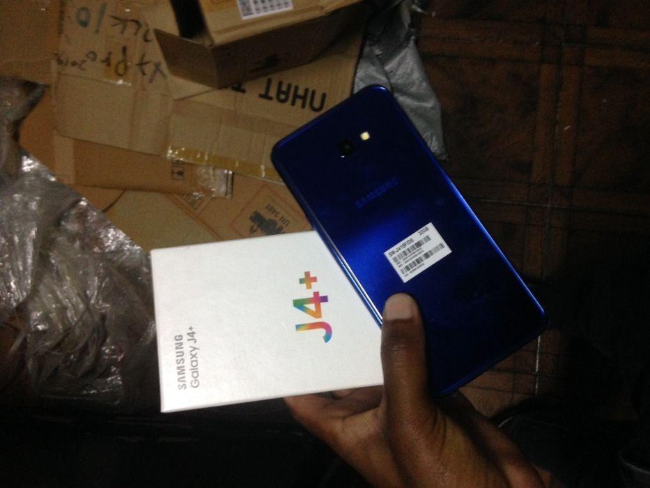 J4 Plus caixa com todos acessórios