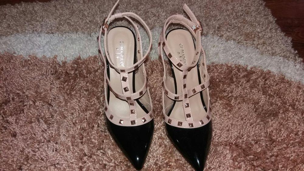 Pantofi noi superbi