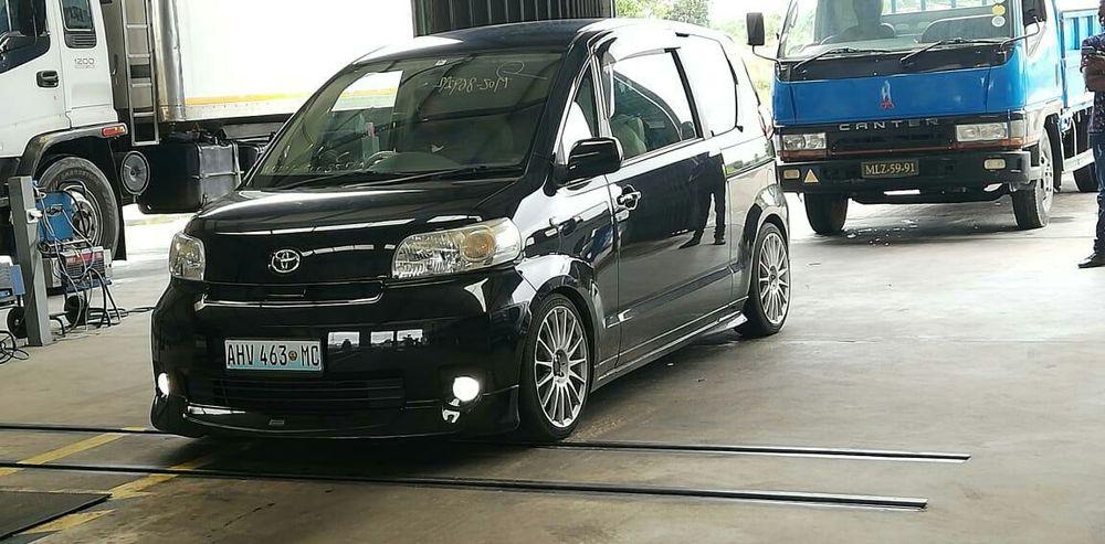 Toyota porte recém importado