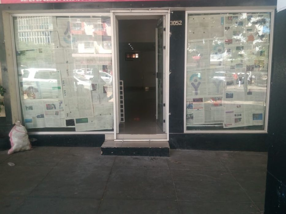 Torent / Arrenda. Loja sobre loja Av.24 de julho
