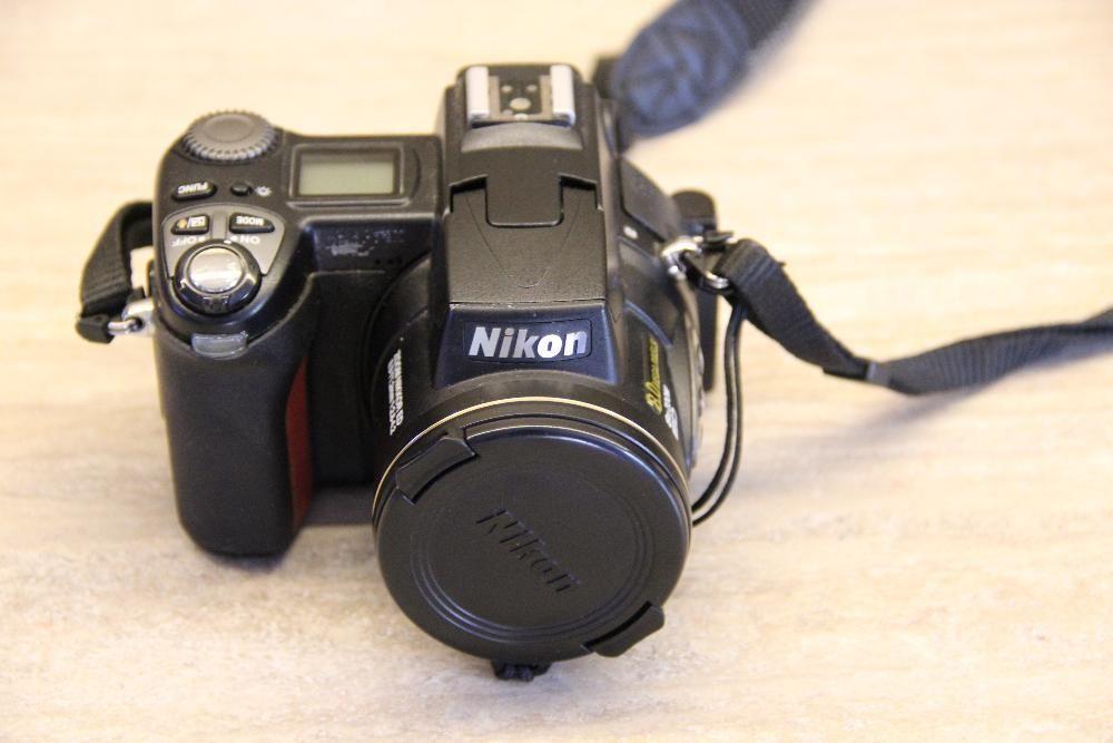 Nikon E 8700 coolpix