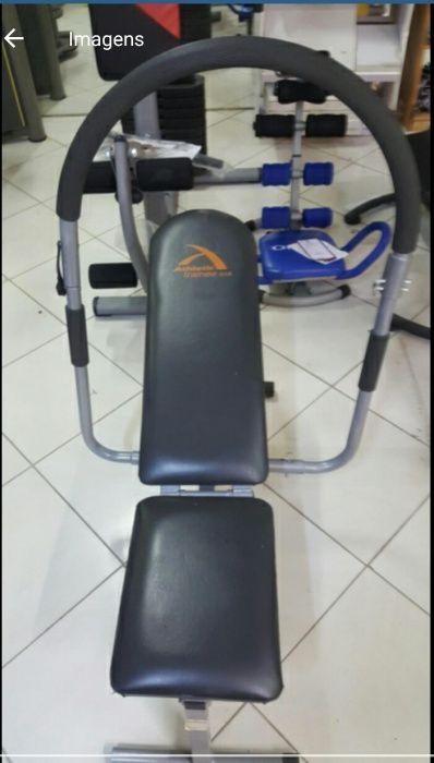 Máquina para vários exercícios (Ginásio)