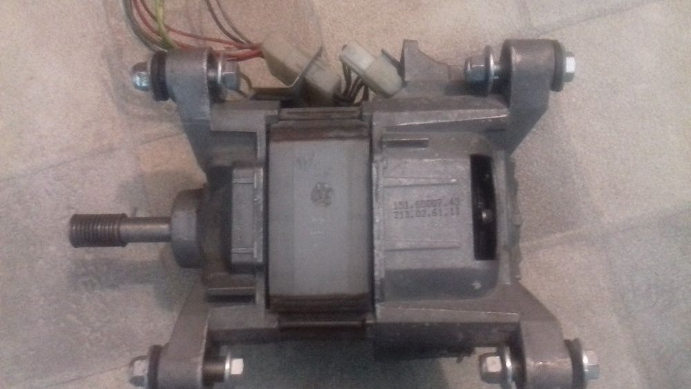 Vand motor masina de spalat cu uscator WHIRLPOOL AWZ 410