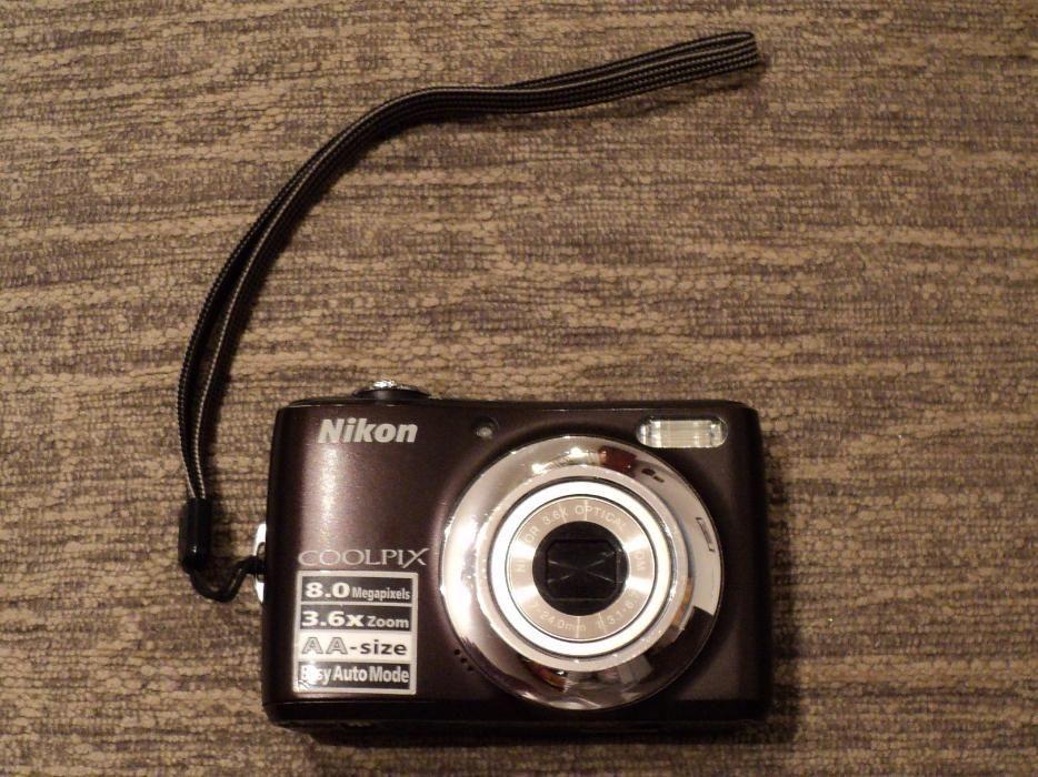 Camera foto NIKON COOLPIX L21