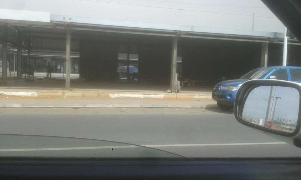 Temos terrenos pra lojas na via Expresso e no kk kilamba 4 milhoes kz