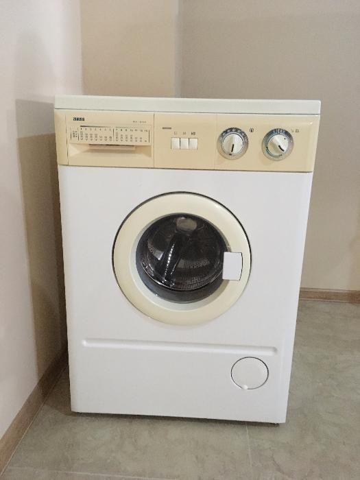 Продам стиральную машину Zanussi FLS-879C