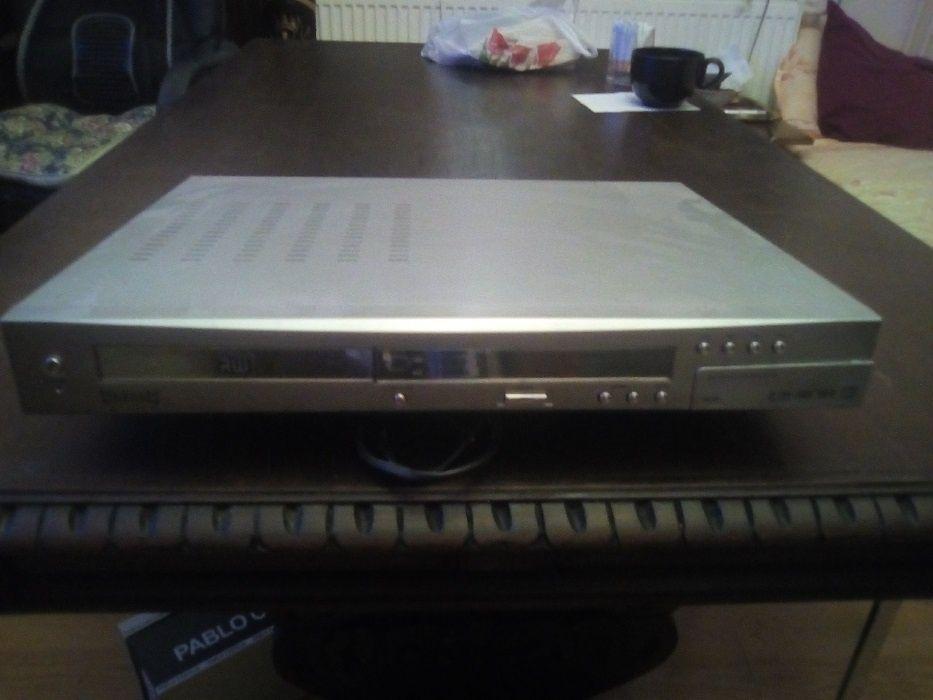 DVD R/W MAGNUM cu tuner si hard disk incorporat
