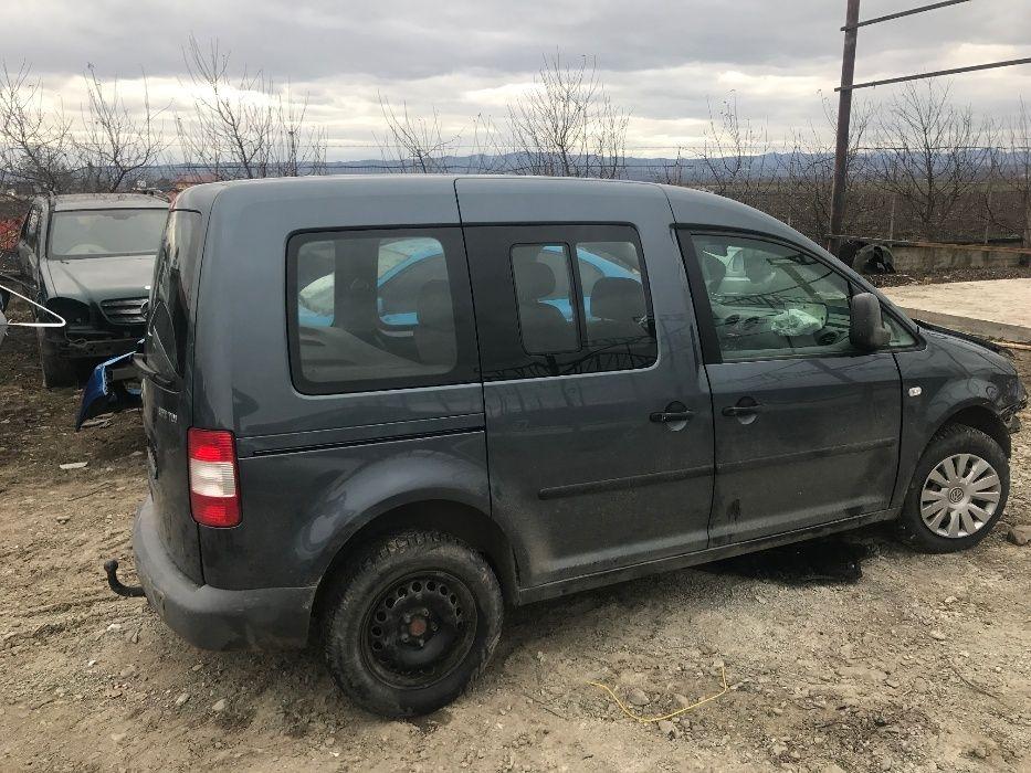 Dezmembrez VW Caddy LIFE 1,9 tdi 2006 cod motor BLS
