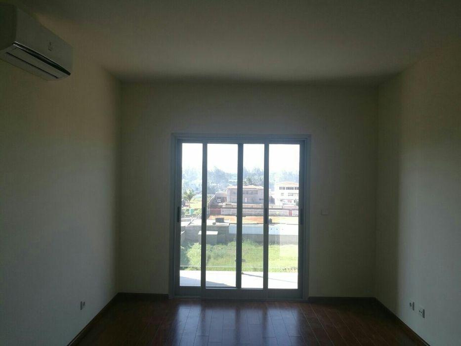 Arrenda-se uma flat no bairro da costa do sol 3 de Fevereiro - imagem 5
