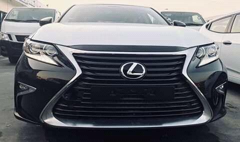 Lexus á venda