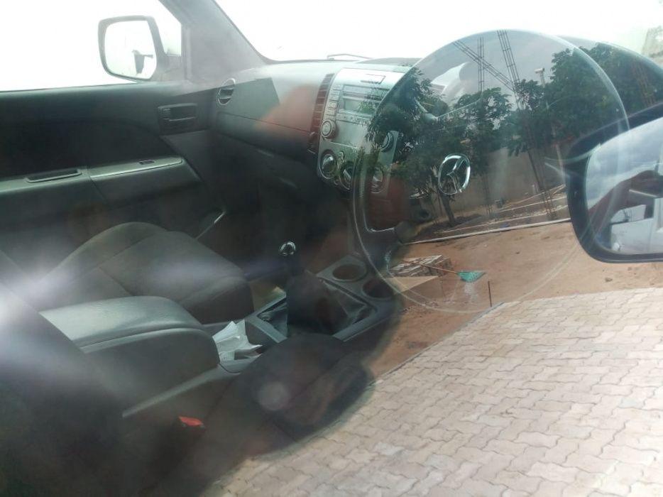 Mazda | Bt-50 | Manual | Diesel | 3.0 | 4×4 | Recém-importado Cidade de Matola - imagem 4