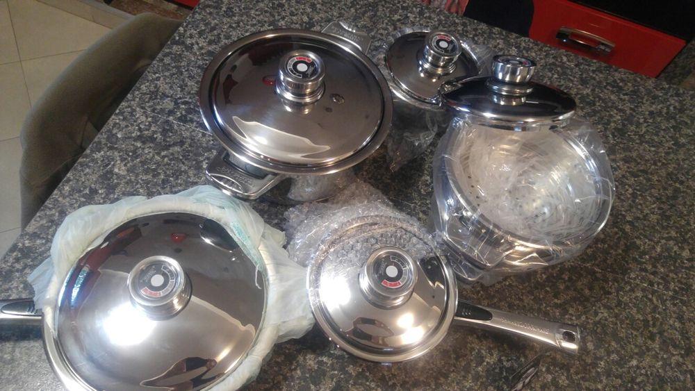 Set oale Shwart Cookware de la Betlinger Haus