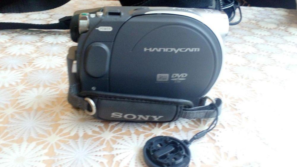 Продавам видео камера сони