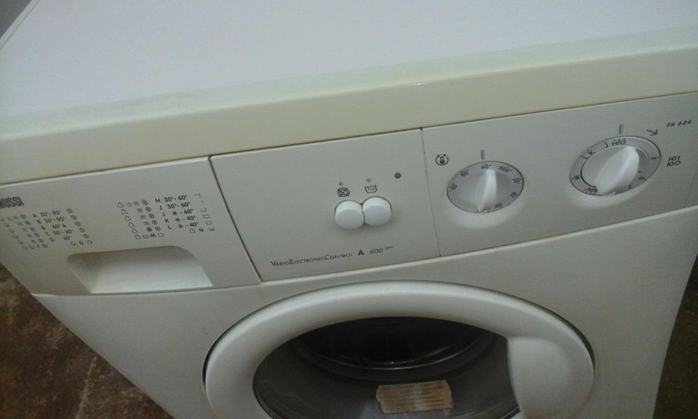 Masina de spălat zanussi