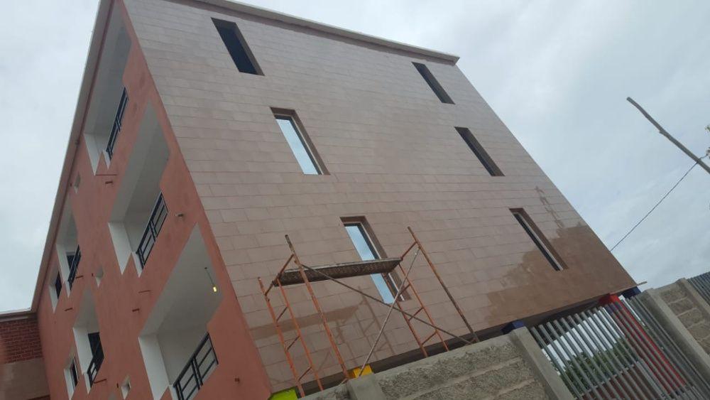 Vende-se Edificio no Talatona B. Militar com 13 apartamentos