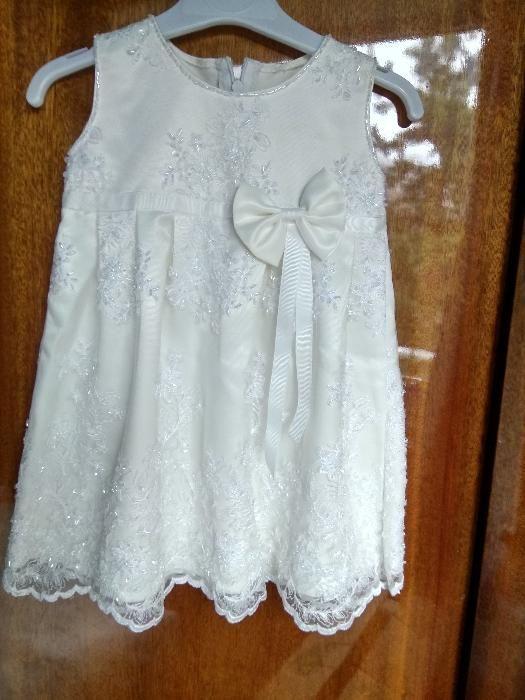 Платье для торжества на девочку на 1-1,5 года