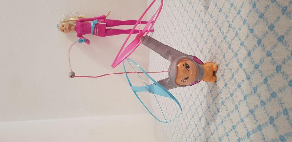 Papusa Barbie spatială