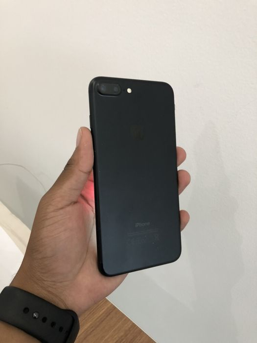 iPhone 7 Plus 32GB Preto com Cabo