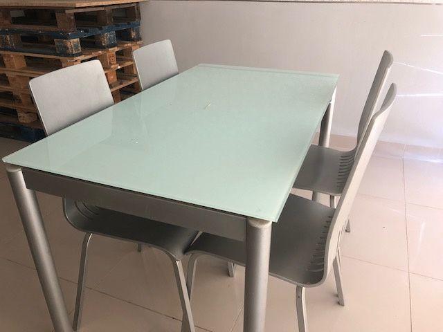 Vendo Mesa Cozinha e Cadeiras - Fabrico Portugal