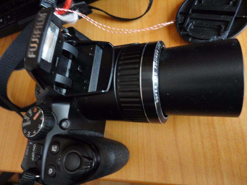 vand aparat foto profesionl FUJIFILM 16MP,30X!!!