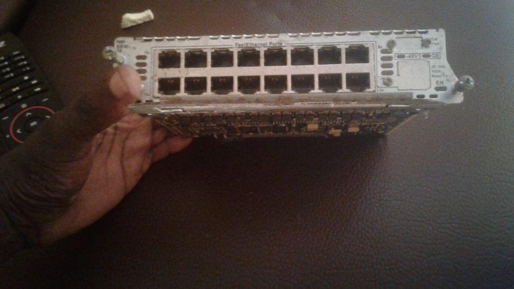 Vendo Placa Cisco NM-ESW-16 16-Port 10/100 Fast Ethernet Module