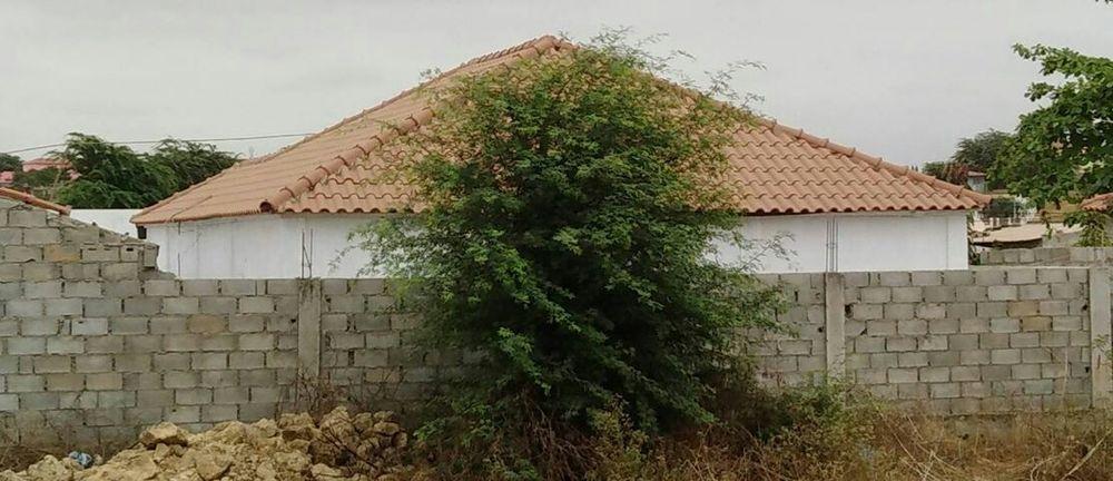 Vivenda V4 em Cacuaco (nova urbanização)