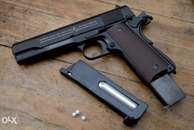 Pistol PUTERNIC(Din METAL)Colt Airsoft cu Aer Comprimat Ed.LimitataCO2