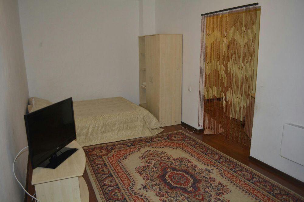 Есть свободные квартиры по Б.Момышулы на ночь. по часам-1000тг