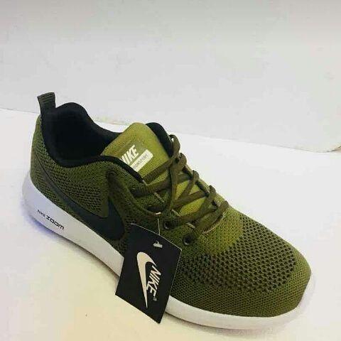 Nike zoon verde