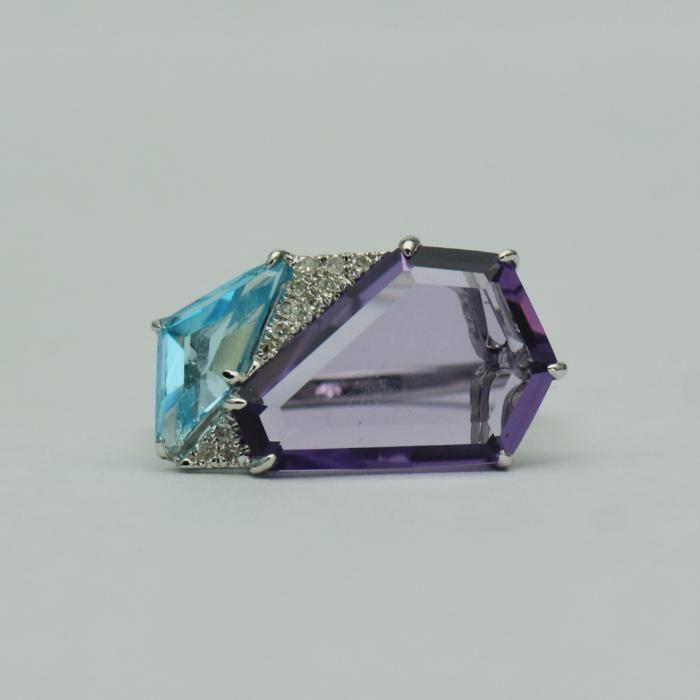Inel din aur alb cu ametist, topaz si diamante (cod 3029)