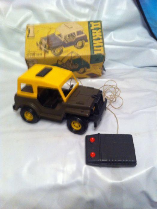Jucărie veche perioada comunista jeep rusesc