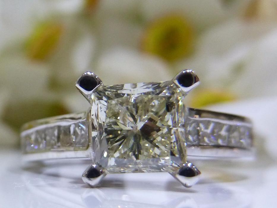 Inel logodna aur 14k cu diamante 1.86ct