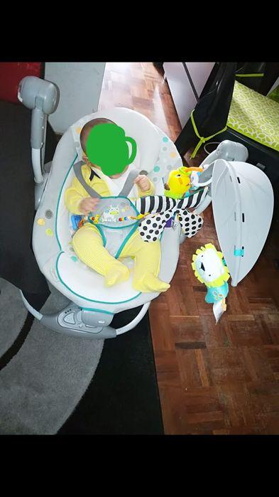 Baloiço para acalmar bebé