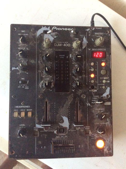 Vendo mesa Pioneer DJM 400