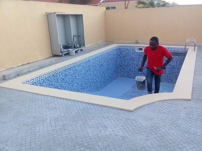 Promoção de piscinas em alvenaria e em betão