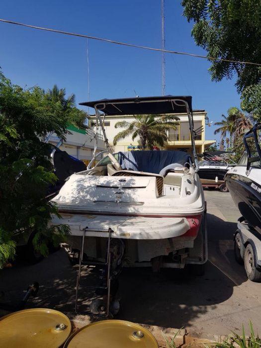 A venda Barco lancha de recreio sunbeck motor mercury