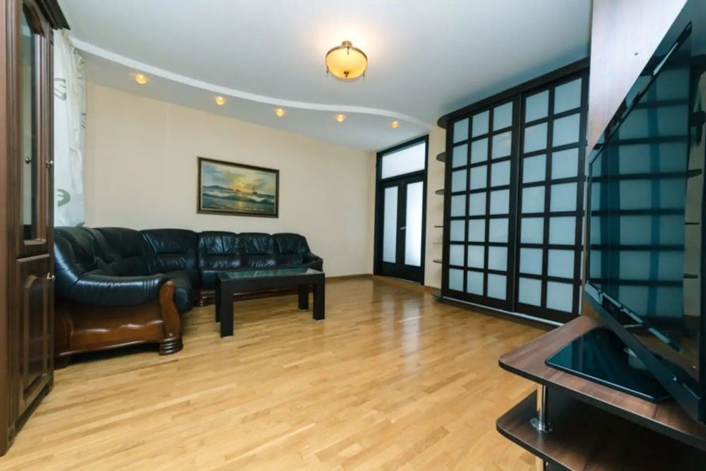 3-комнатная квартира посуточно в Mega Tower на Розыбакиева Левитана