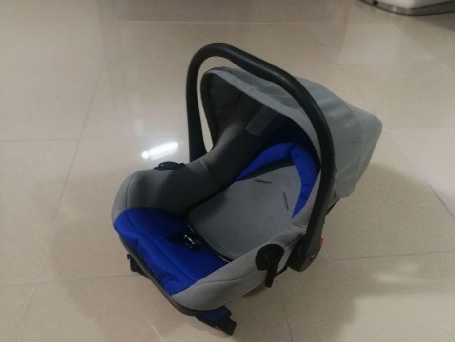Vende se cadeirinha de bebé