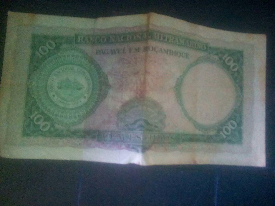 Tenho essa nota de 100 escudos Aires de Ornelas 1961 serie C